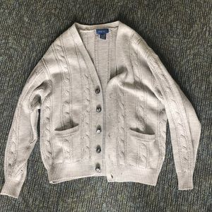 Gray knitted cardigan